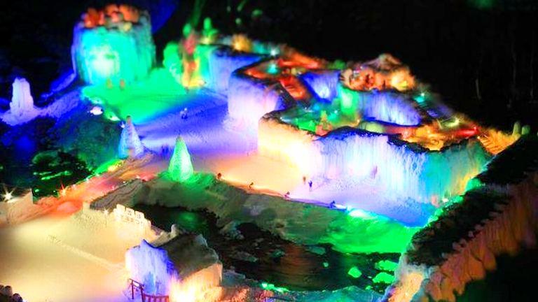 第46回 層雲峡温泉氷瀑まつり 北海道の「今」をお届け Domingo -ドミンゴ-