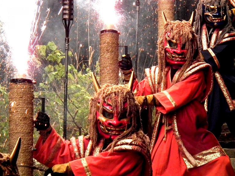 地獄の谷の鬼花火 北海道の「今」をお届け Domingo -ドミンゴ-