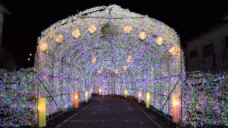 洞爺湖温泉 イルミネーショントンネル|北海道の「今」をお届け Domingo -ドミンゴ-