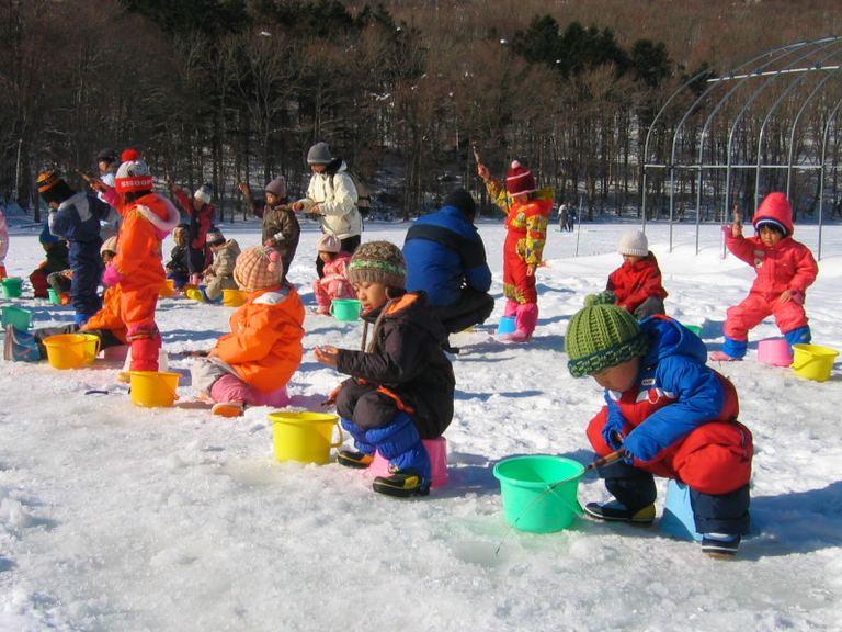 じゅんさい沼ワカサギ釣り場|北海道の「今」をお届け Domingo -ドミンゴ-
