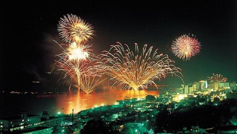 第40回 洞爺湖ロングラン花火大会|北海道の「今」をお届け Domingo -ドミンゴ-
