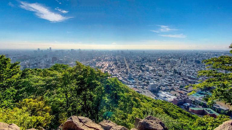 市街地を見下ろす爽快感!円山登山で気持ちのいい汗を! Domingo