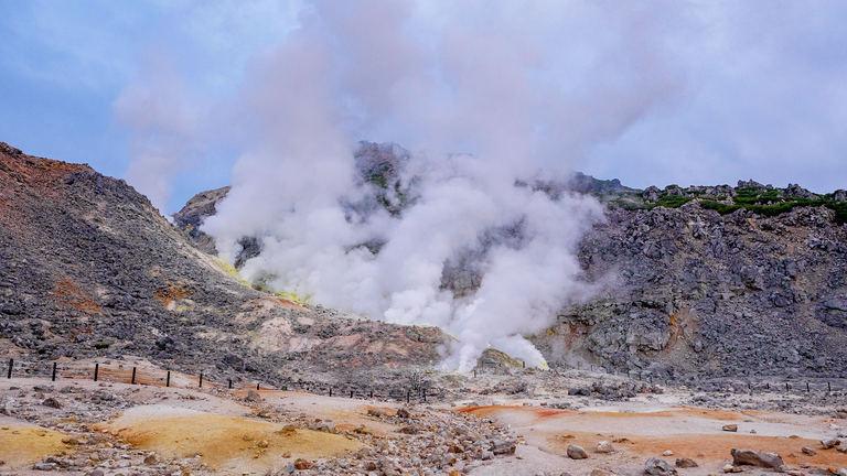 弟子屈町の「硫黄山」を訪れて歴史に思いを馳せてみては?|Domingo