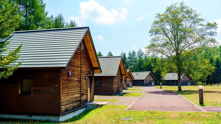 札幌市内で広大な自然とアクティビティを楽しめる!国営公園の中のキャンプ場「オートリゾート滝野」|Domingo