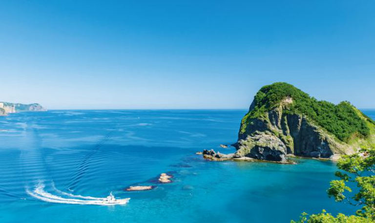 【余市・積丹近郊ドライブ】おすすめスポット10選!青く透き通った海岸線を望む名所|Domingo