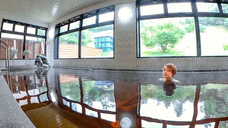 ツルツルになれる美肌効果!「鶴の湯温泉」は鶴も癒す優れた泉質|Domingo